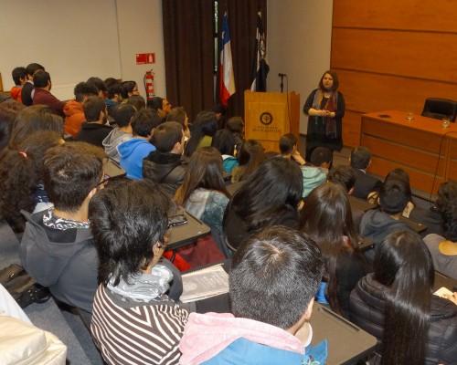 Las presentaciones fueron iniciadas por la doctora Ioana Antoaneta Dodi.