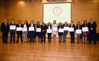 Egresados de la promoción 2014 de la carrera de Derecho de la U. San Sebastián sede Valdivia
