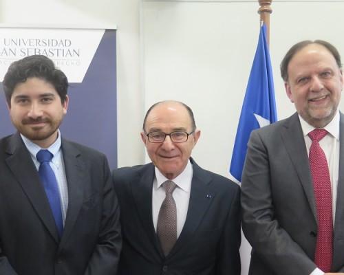 Yamil Musa, director de la Escuela de Gobierno USS; Riad Saadé Gouda, Cónsul de Chile en el Líbano; y Rafael Rosell Aiquel, decano de la Facultad de Derecho y Gobierno USS.