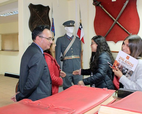 Los futuros abogados hicieron un recorrido por la Sala Histórica del Regimiento.