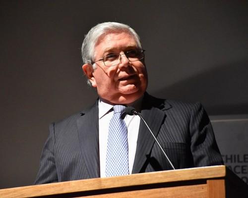 Ministro de la Corte Suprema participó de seminario de justicia en USS De la Patagonia