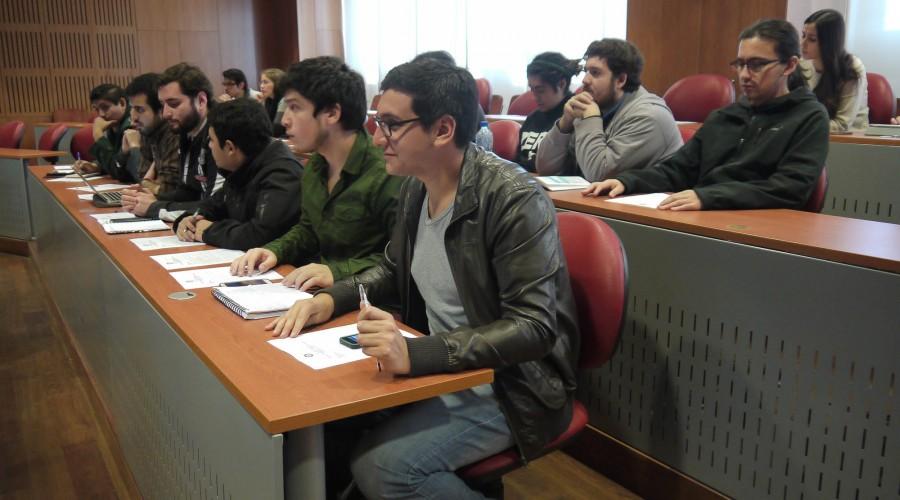 Conferencia realizada por Facultad de Derecho abordó la Ley 20.720