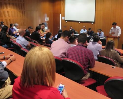 El panel de expertos analizó la coyuntura local y de Venezuela, resaltando la importancia de los valores democráticos como mecanismo de solución a la crisis institucional que afecta a ese país.