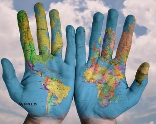 mapa-mundial-manos