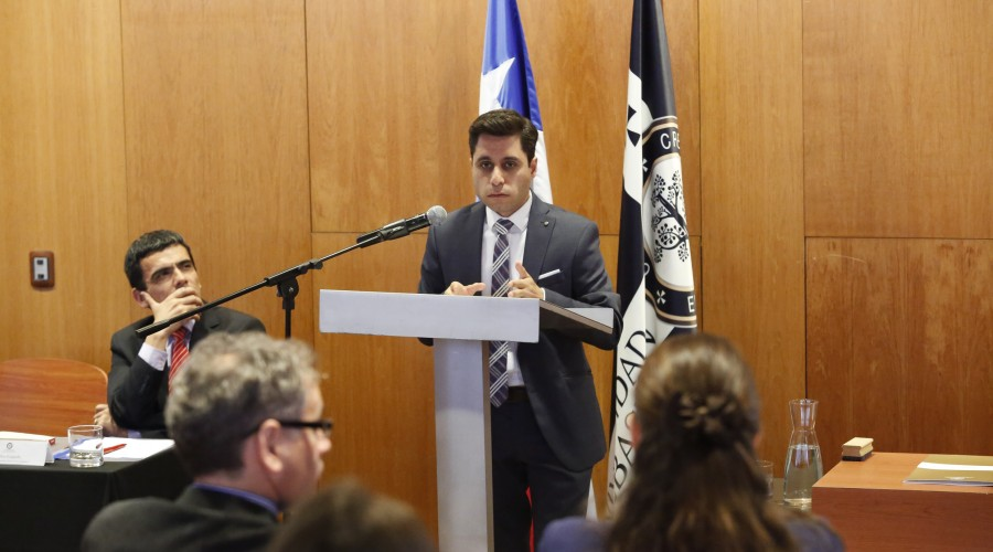 Investigador IDEJ USS presentó libro sobre tema de derecho penal económico