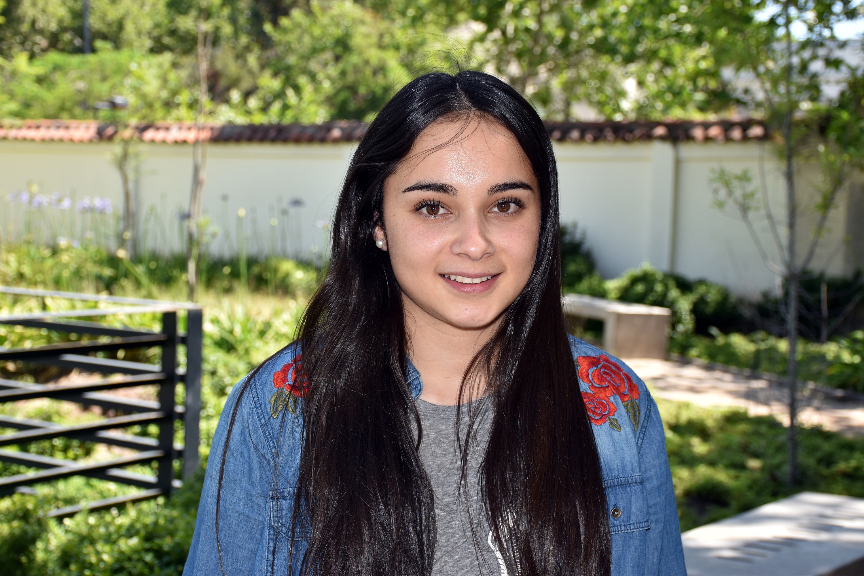 Evelyn Troncoso, estudiante de 4° año de IECO