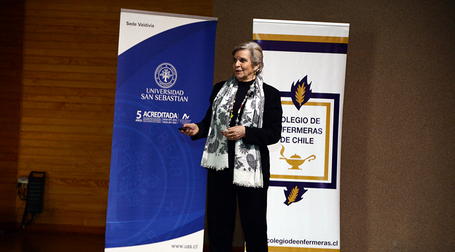 La académica Beate Messing acaba de celebrar 50 años dedicada a su profesión, quetambién es su pasión: La Enfermería.