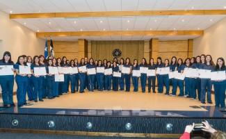 Ciento veintidós nuevos enfermeros y enfermeras tituló la USS Concepción en dos ceremonias.