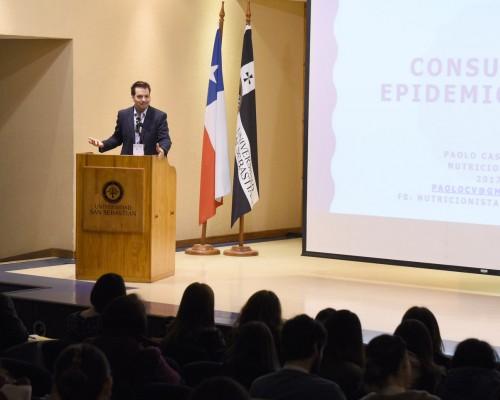 Presentación de Paolo Castro, presidente del Colegio de Nutricionistas Universitarios de Chile A.G.