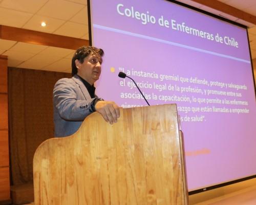 Exposición de Néstor Ortiz , presidente del Colegio de Enfermeras A.G. Biobío.