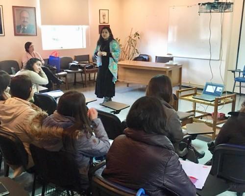 Pamela Caro, académica de la USS Concepción, expuso en jornada sobre Salud Mental del Adulto Mayor.