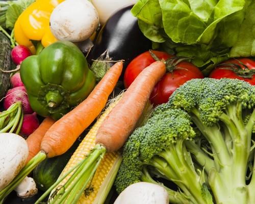 Hidratación y alimentación sana son la clave para enfrentar el Covid-19