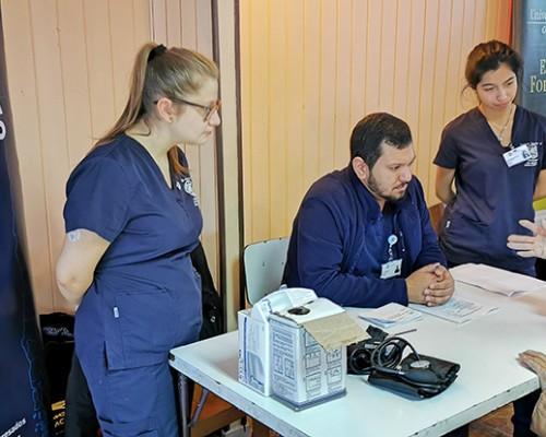 Estudiantes de Enfermería participaron de operativo social en Puerto Montt