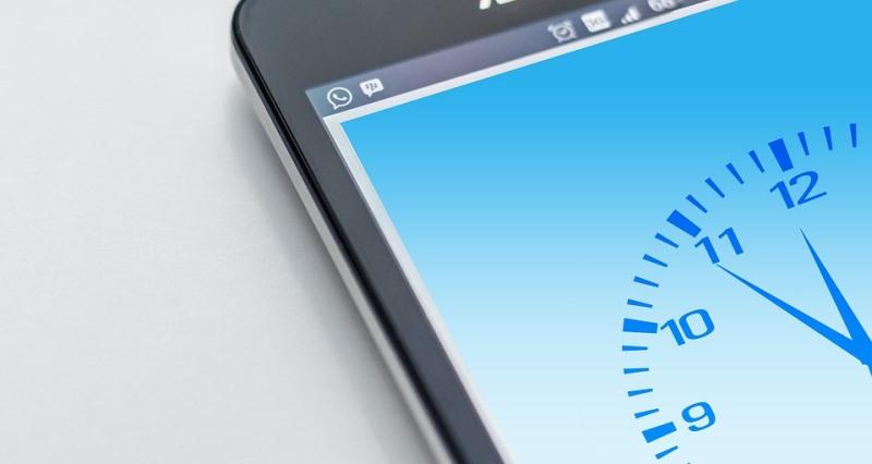 Cambio-de-hora-smartphone
