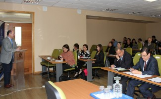 Cerca de 50 personas se dieron cita en el seminario convocado por la FIT.