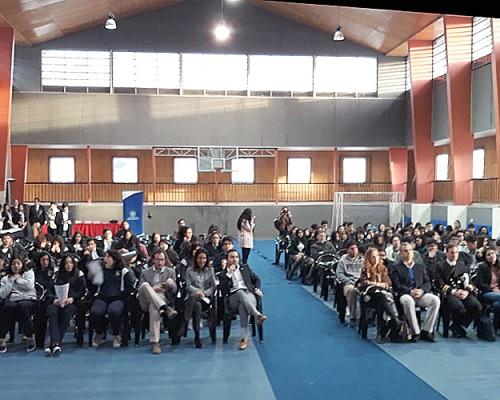 El encuentro tuvo lugar en el Gimnasio del Liceo de Coronel.