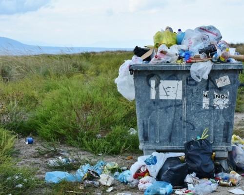 Se estima que cada chileno genera 1,1 kilos de basura al día.