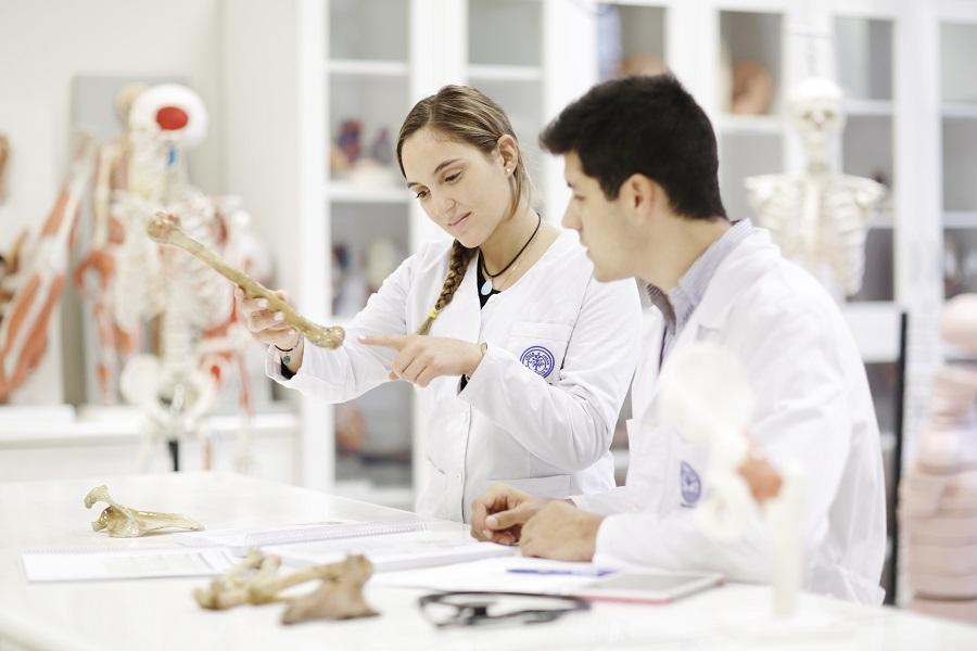 medicina-estudio-alumnos-001