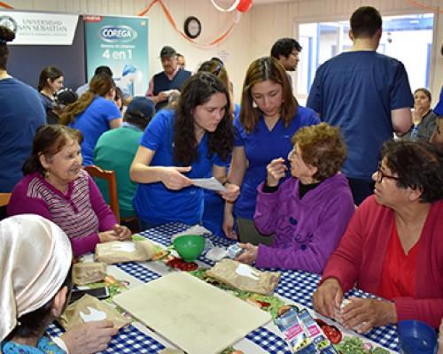 Odontología USS colabora con adultos mayores de Fundación Oncológica Valdivia