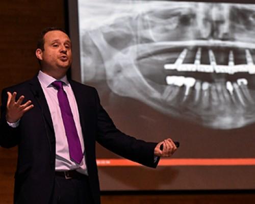 USS Valdivia potencia la Odontología Digital con Congreso