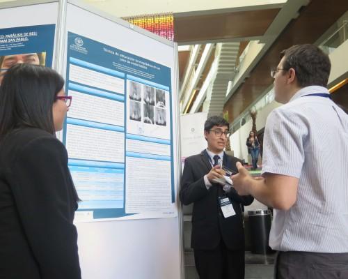 Estudiantes presentaron posters científicos en el XI Congreso de Odontología USS.