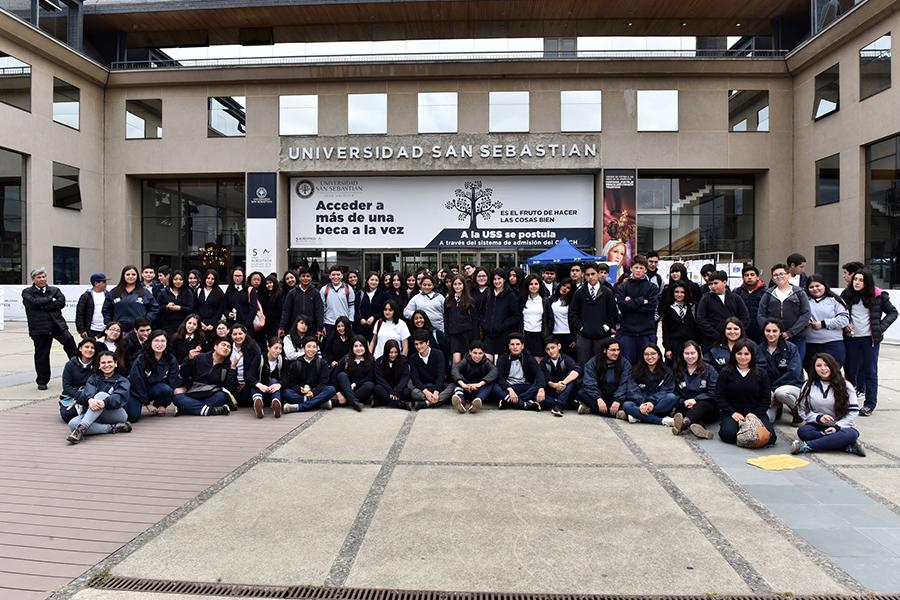 Más de 200 estudiantes del Liceo Rector Abdón Andrade Coloma participaron de la actividad.