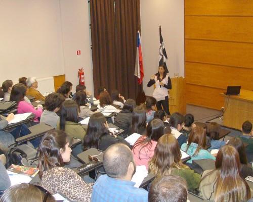 La conferencia de la psicóloga Lusmenia Garrido puso fin al mes temático de Psicología USS Concepción.