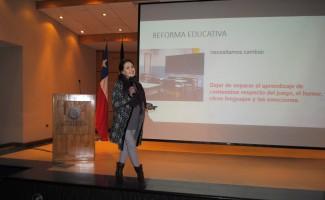 Psicóloga y doctora en Ciencias de la Educación de la Pontificia Universidad Católica de Chile, Isidora Mena Edwards ha realizado asesorías a diferentes instituciones públicas y privadas.