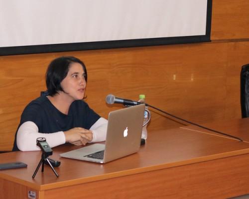 """La doctora Alejandra Celedón contó de su experiencia en el proyecto """"Stadium"""", desde su génesis y hasta su exhibición."""