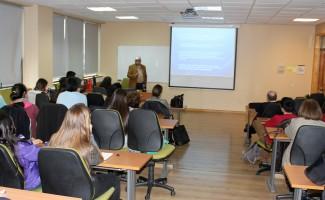 """El doctor Guillermo Riveros presentó """"La bioacústica: una herramienta para comprender la comunicación sonora de las aves""""."""