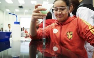 USS abrió sus laboratorios de ciencia a escolares