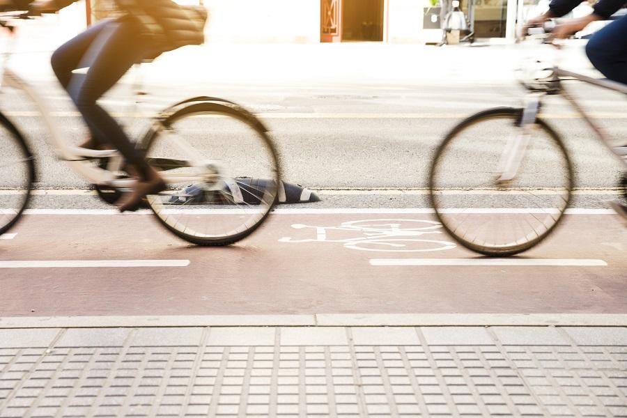 ¿Quieres una bicicleta para ir al trabajo? Conoce cuál es la más adecuada y sus beneficios