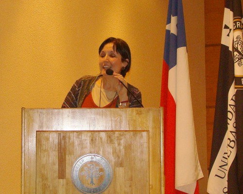 Karina Villarroel, presidenta Bío Bío de OMEP, en su exposición.