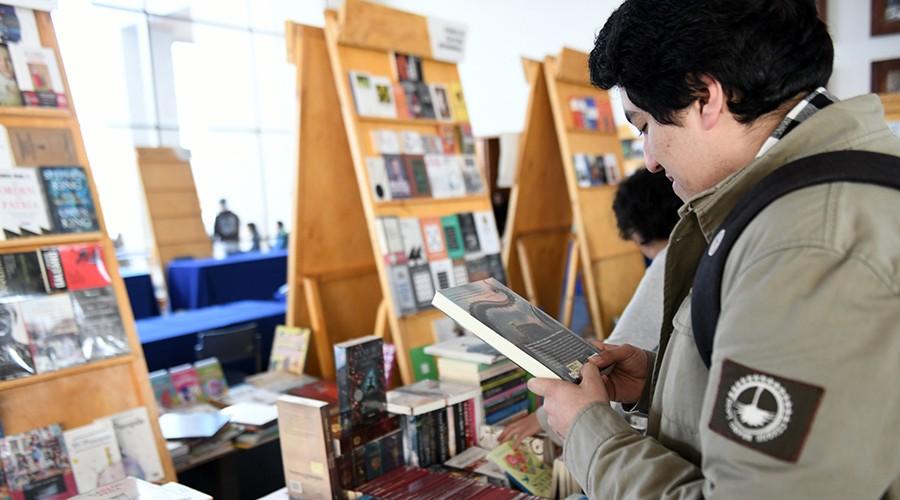 Feria-Libro-USS-Valdivia-primer-día