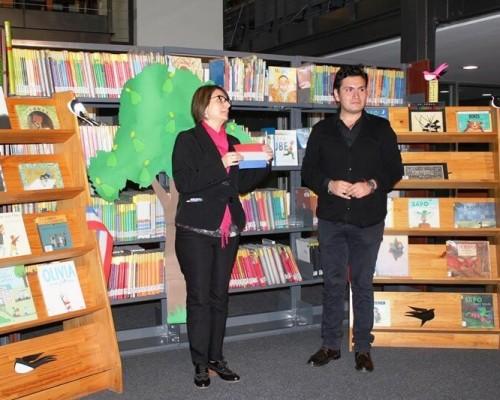 En el Rincón Docente hay cien títulos nuevos que los estudiantes pueden consultar libremente.