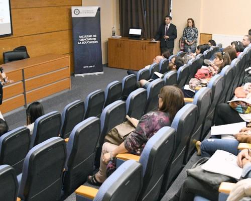 La jornada incluyó exposiciones de académicos y talleres prácticos.