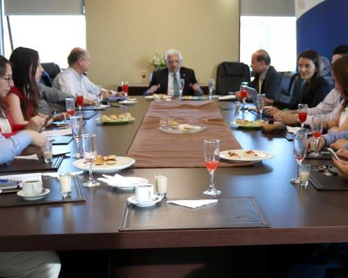 El decano Fernando Quiroga encabezó la reunión.
