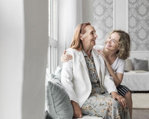 Autocuidado: el gran impostergable de los cuidadores de personas mayores