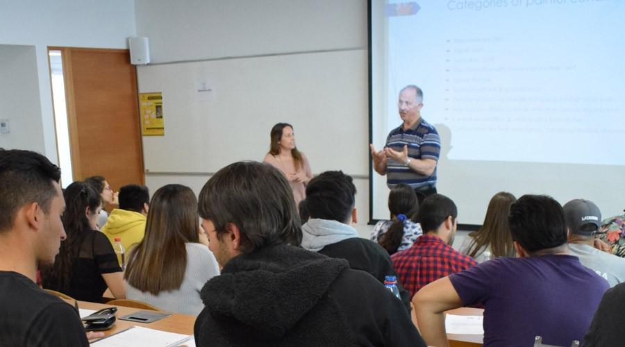 Kinesiología organizó charlas ofrecidas por referentes internacionales