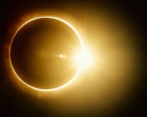 Eclipse: la importancia de usar lentes certificados
