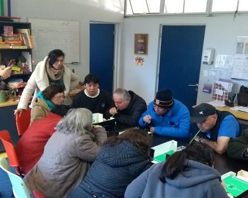Cerca de quince pacientes que padecen Parkinson forman parte del taller sebastiano.