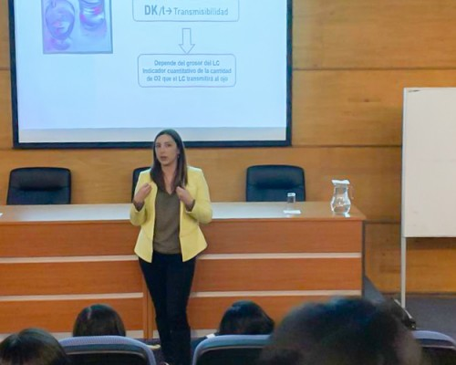 Tecnología Médica ofreció charla sobre lentes de contacto en Concepción
