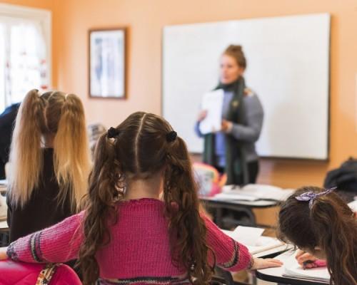 Tarea para profesores: preparar las clases y las cuerdas vocales